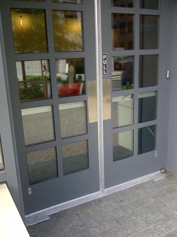 ¿Cómo se abre esta puerta?