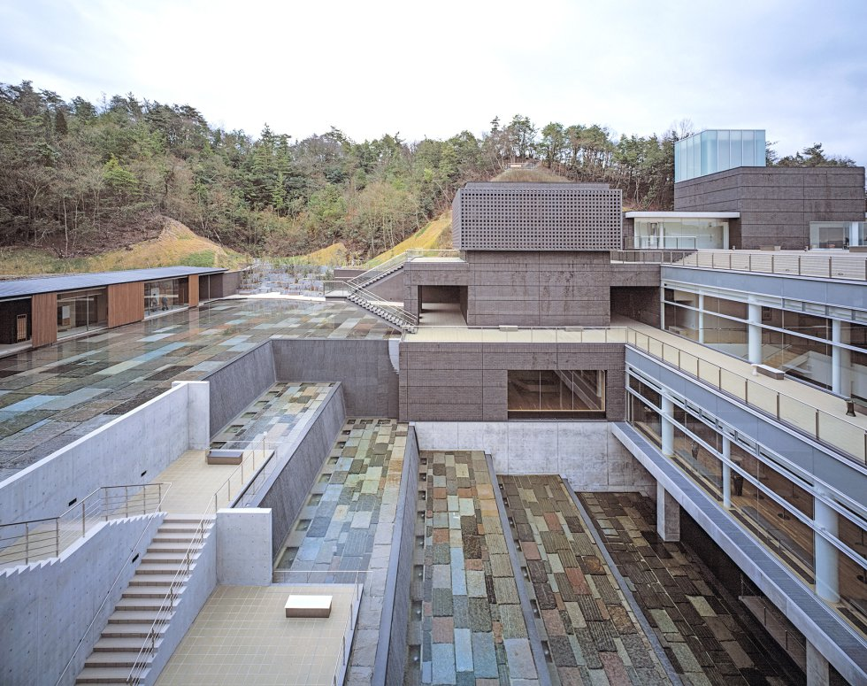 Vista del Ceramic Park MINO de Tajimi, Japón / HISAKO SUZUKI